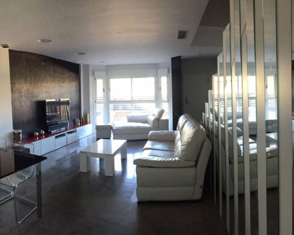 4 bedroom Villa for holiday rental in Elche / Elx with pool garage - € 1,000 (Ref: 5914203)