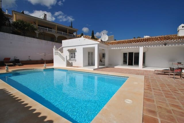 4 bedroom Villa for sale in Mijas Golf with pool garage - € 449,995 (Ref: 4957216)