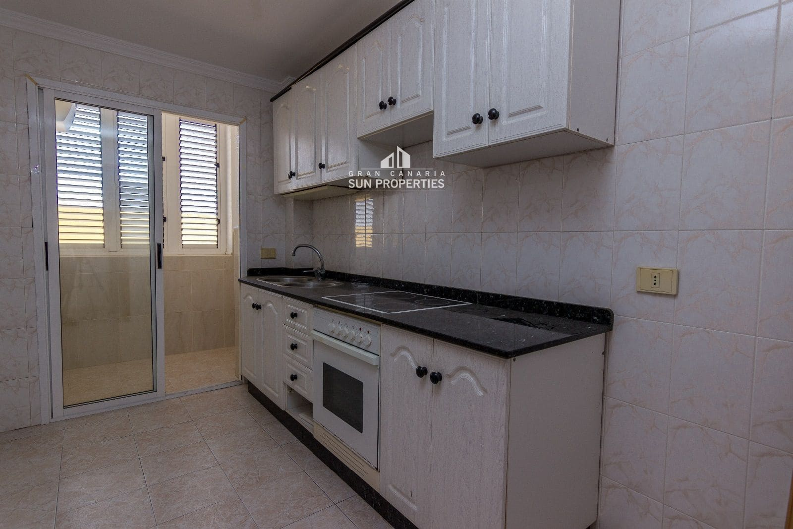 3 soveværelse Lejlighed til salg i Arucas med garage - € 120.000 (Ref: 5362055)