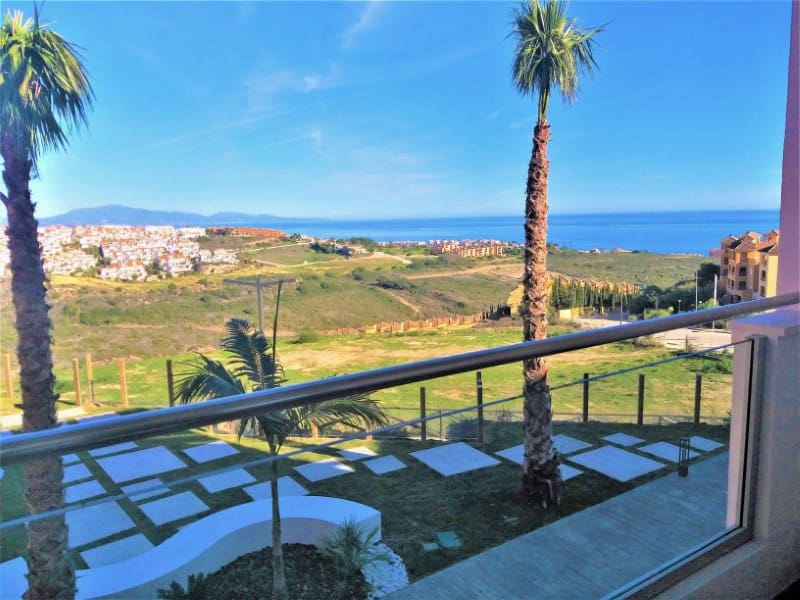 2 bedroom Apartment for sale in Manilva with pool - € 97,500 (Ref: 4890110)