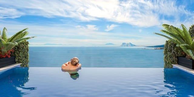 4 sypialnia Dom blizniak na sprzedaż w Casares z basenem garażem - 355 000 € (Ref: 5752889)