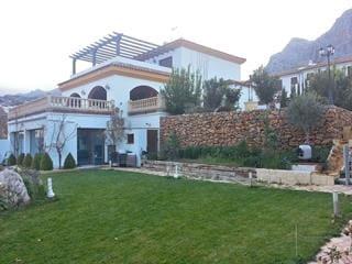 4 soveværelse Villa til salg i Montejaque med swimmingpool - € 398.000 (Ref: 5138726)