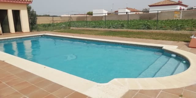 3 soverom Villa til salgs i Chiclana de la Frontera med svømmebasseng garasje - € 399 000 (Ref: 4640282)