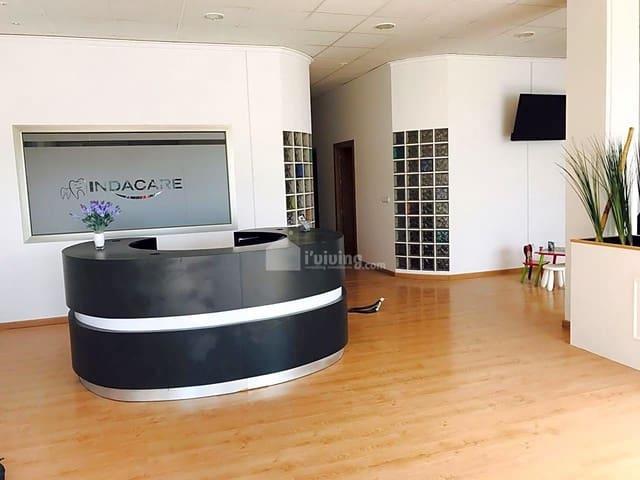 Negocio de 4 habitaciones en Zurgena en venta - 99.900 € (Ref: 5579407)