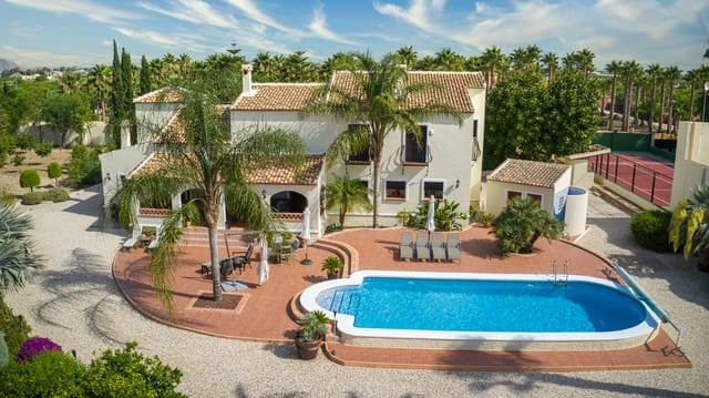 4 bedroom Finca/Country House for sale in Rafal with pool - € 975,000 (Ref: 6202594)