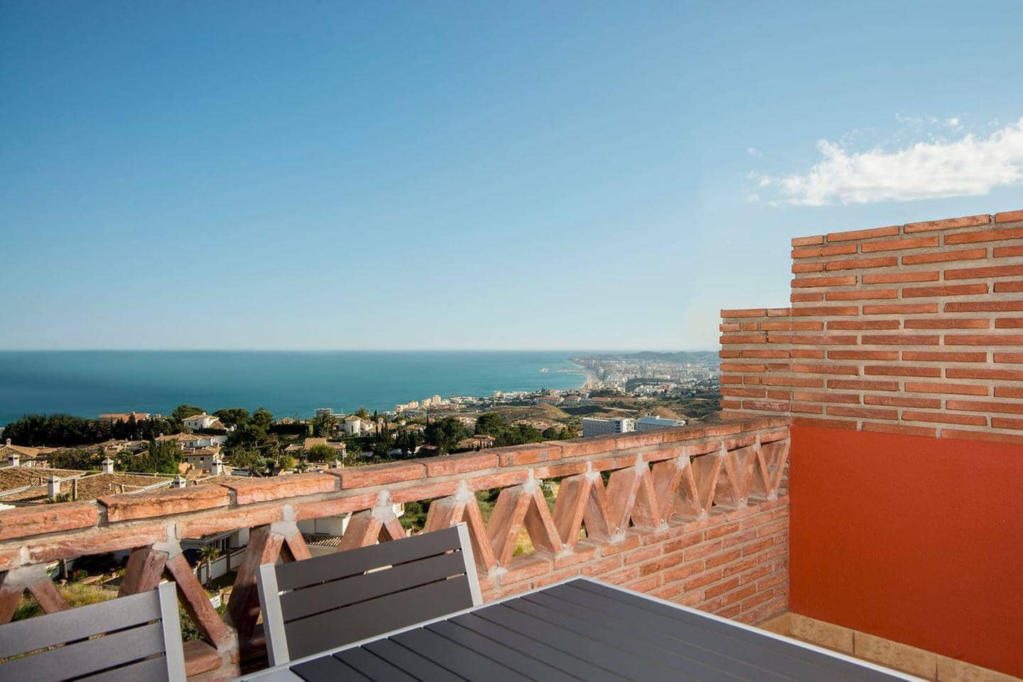 3 bedroom Flat for sale in Benalmadena with pool - € 495,000 (Ref: 5171125)