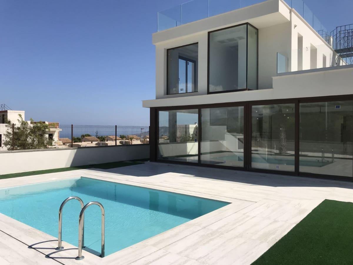 Chalet de 3 habitaciones en Polop en venta con piscina - 378.000 € (Ref: 4772432)