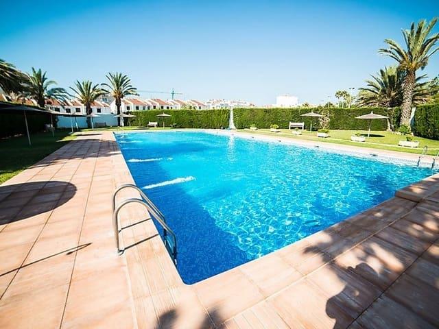 Ático de 1 habitación en Torrevieja en alquiler vacacional con piscina - 350 € (Ref: 4772490)