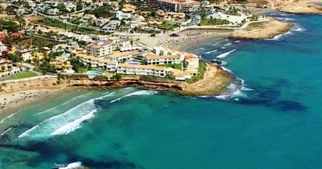 2 soverom Bungalow til salgs i Playa Flamenca med svømmebasseng - € 700 (Ref: 5134820)