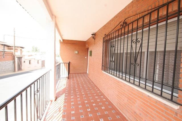 4 soveværelse Villa til salg i Pulgar - € 89.900 (Ref: 6004464)