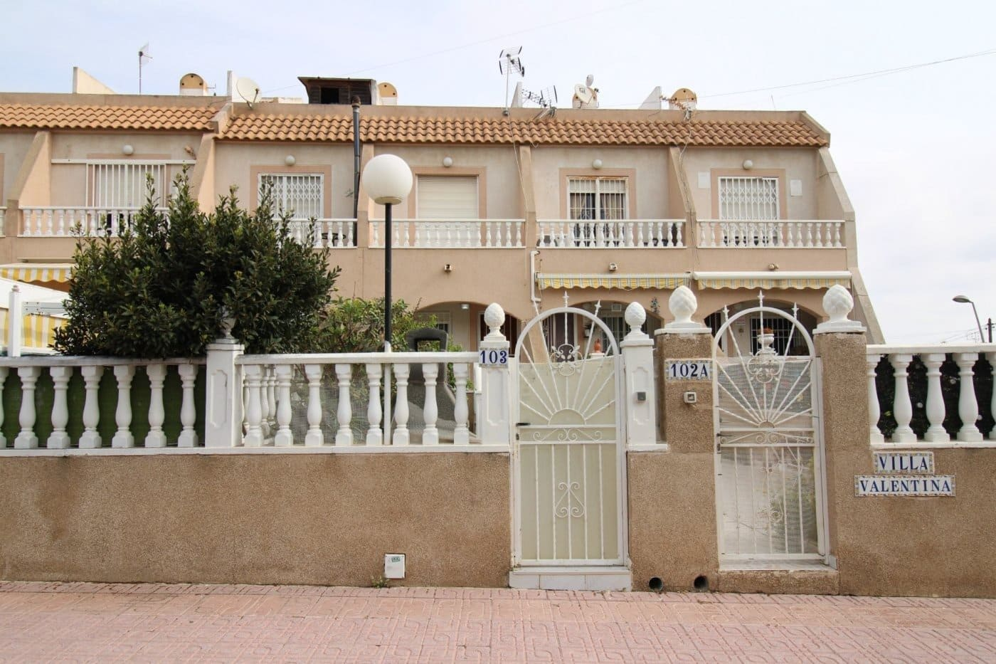 3 bedroom Apartment for sale in Los Balcones with pool garage - € 109,000 (Ref: 6157603)