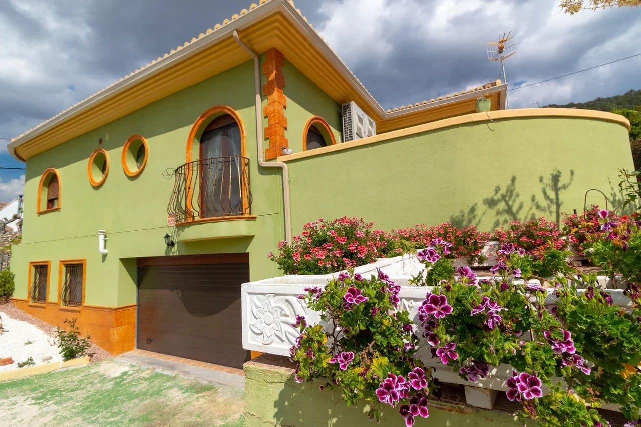 Chalet de 3 habitaciones en Beniatjar en venta con garaje - 275.000 € (Ref: 5038034)