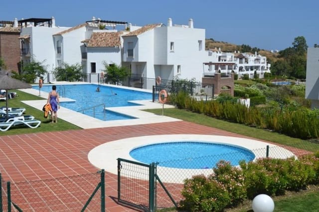 3 Zimmer Ferienapartment in Los Arqueros mit Pool - 1.300 € (Ref: 5517144)