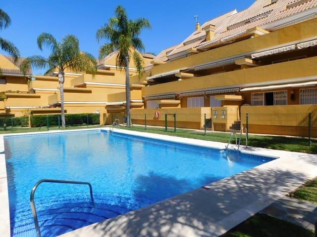 3 slaapkamer Appartement voor vakantieverhuur in Elviria met zwembad - € 950 (Ref: 6092304)