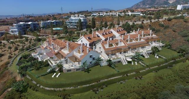 4 bedroom Townhouse for sale in Benalmadena - € 471,000 (Ref: 5620964)