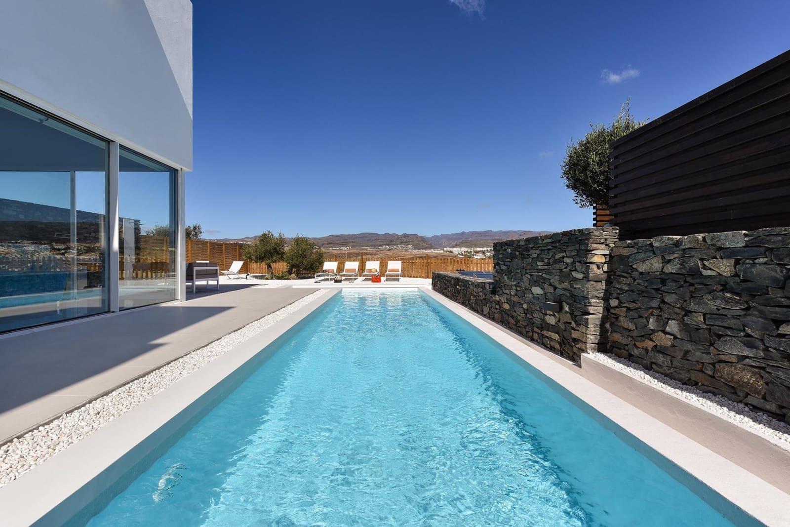 4 bedroom Villa for holiday rental in San Bartolome de Tirajana - € 350 (Ref: 4688844)