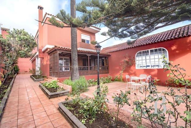 4 sovrum Villa till salu i Santa Brigida med garage - 419 000 € (Ref: 5010603)