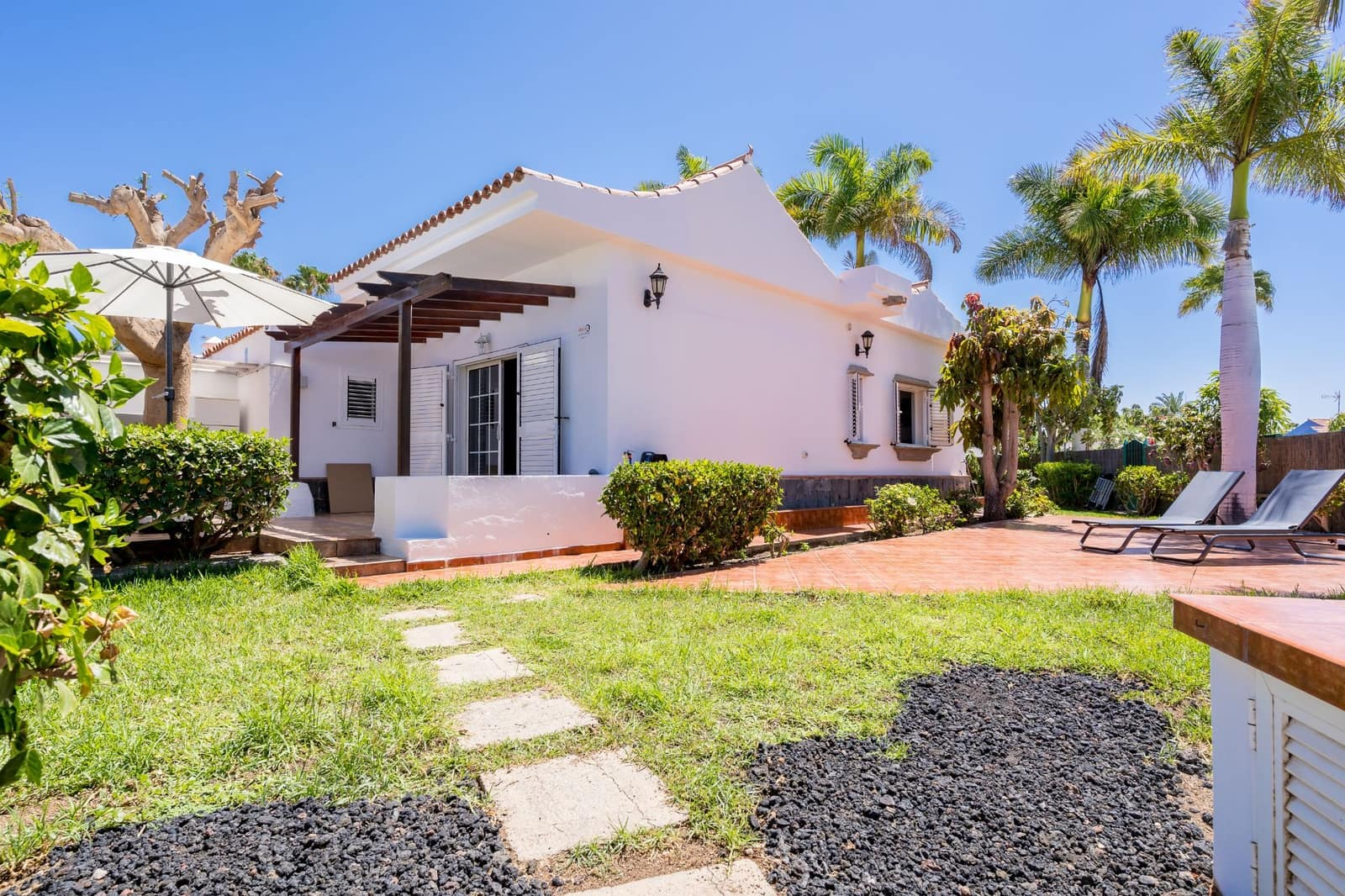 2 bedroom Bungalow for rent in Campo Internacional with pool - € 2,300 (Ref: 5425968)