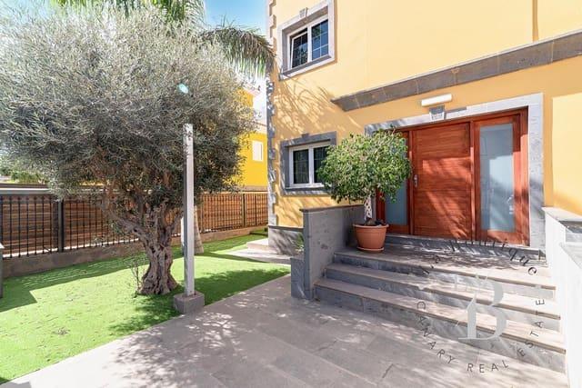 4 soveværelse Semi-Rækkehus til salg i Sonneland med swimmingpool garage - € 650.000 (Ref: 5691470)
