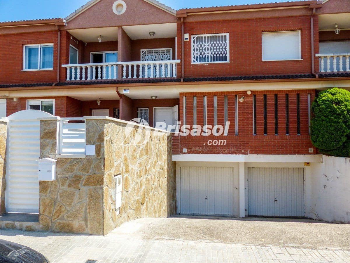 4 bedroom Terraced Villa for sale in Cambrils with pool - € 287,000 (Ref: 4788973)