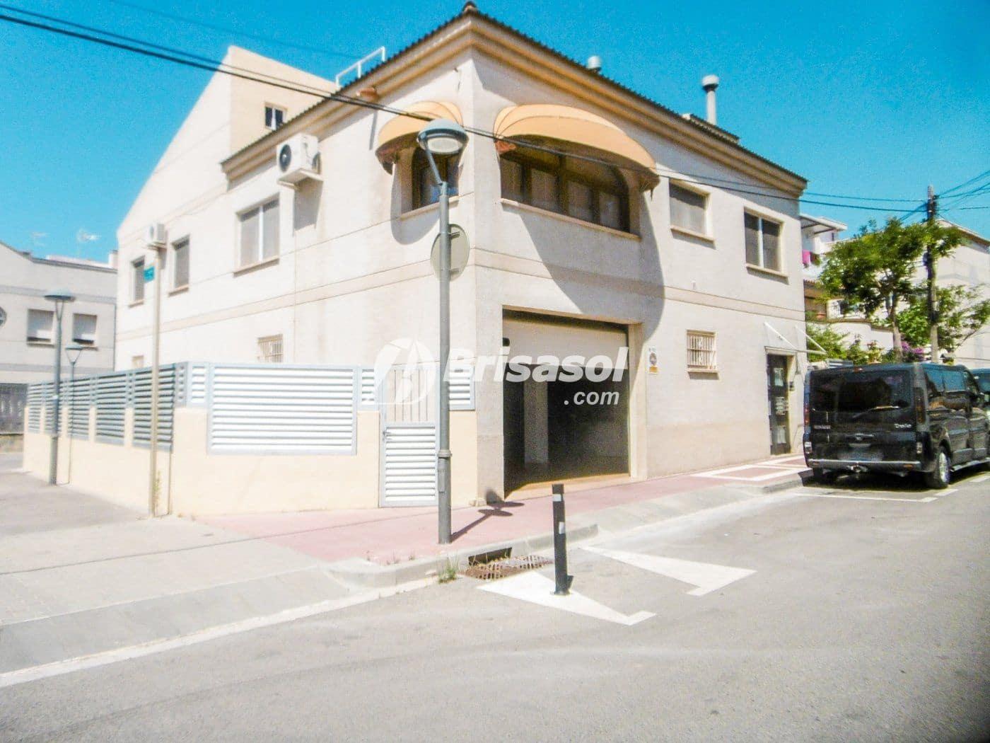 4 bedroom Villa for sale in Cambrils - € 300,000 (Ref: 5036463)