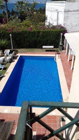 6 sypialnia Dom blizniak na sprzedaż w Miasto Malaga z basenem garażem - 1 000 000 € (Ref: 4983951)