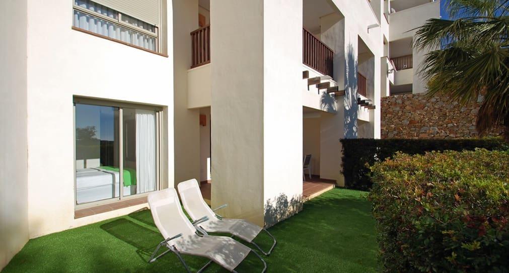 Apartamento de 2 habitaciones en Las Colinas Golf en venta con piscina - 175.000 € (Ref: 4725480)