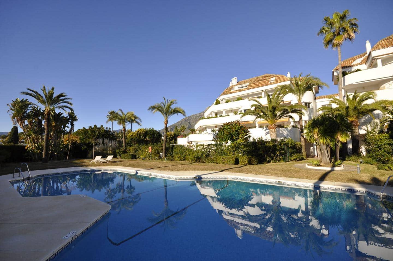 2 bedroom Flat for sale in Marbella - € 450,000 (Ref: 5147743)