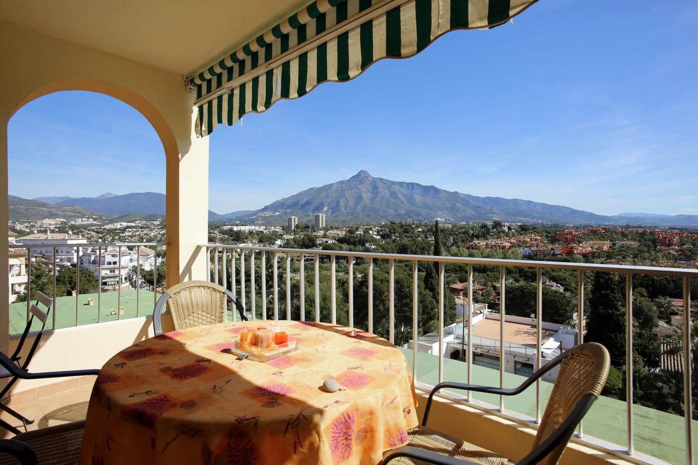 2 bedroom Flat for sale in Marbella - € 400,000 (Ref: 5152545)