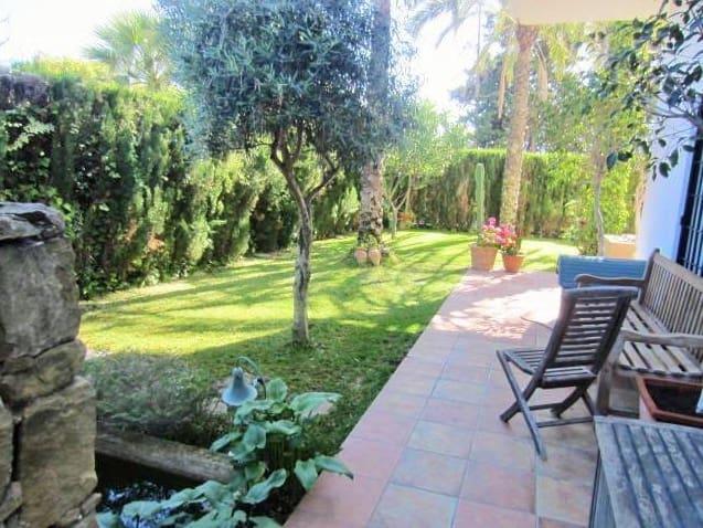 2 bedroom Flat for sale in Marbella - € 670,000 (Ref: 5154742)