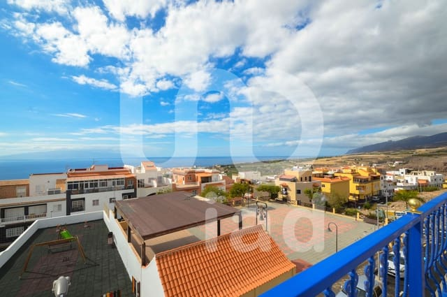 3 soveværelse Byhus til salg i Playa San Juan med garage - € 256.000 (Ref: 5531775)