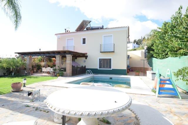 5 soverom Villa til salgs i San Pedro de Alcantara med svømmebasseng garasje - € 535 000 (Ref: 4884573)