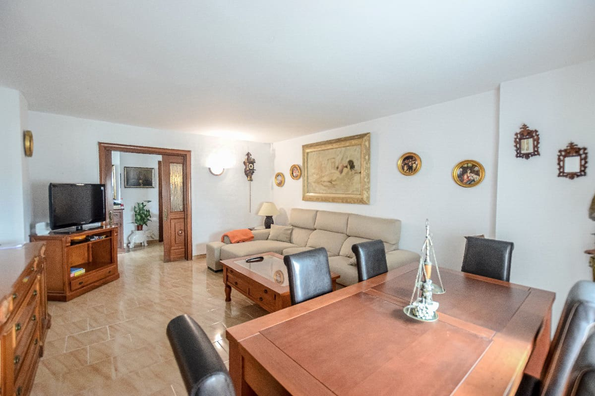3 bedroom Apartment for sale in Marbella - € 340,000 (Ref: 4954757)