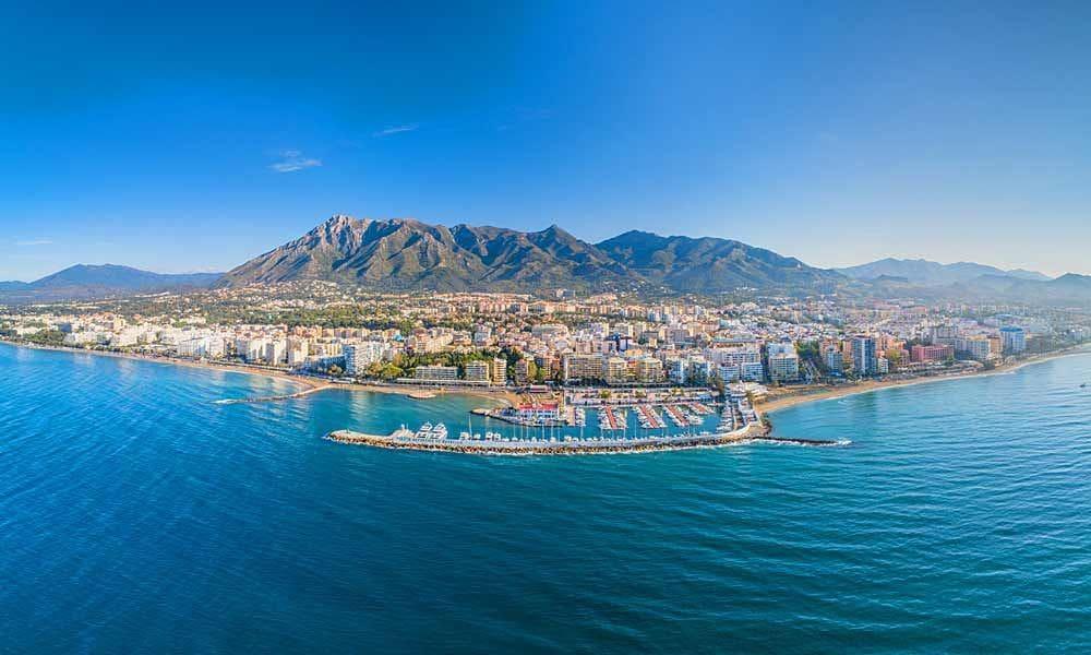 6 slaapkamer Hotel te huur in Marbella - € 3.800 (Ref: 5132032)