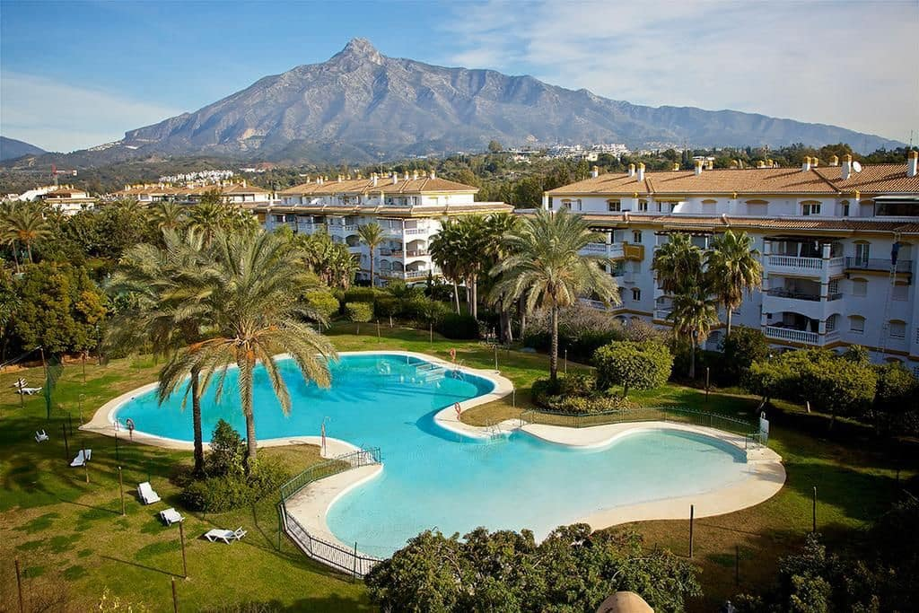 4 bedroom Apartment for sale in Marbella with pool garage - € 385,000 (Ref: 5148036)