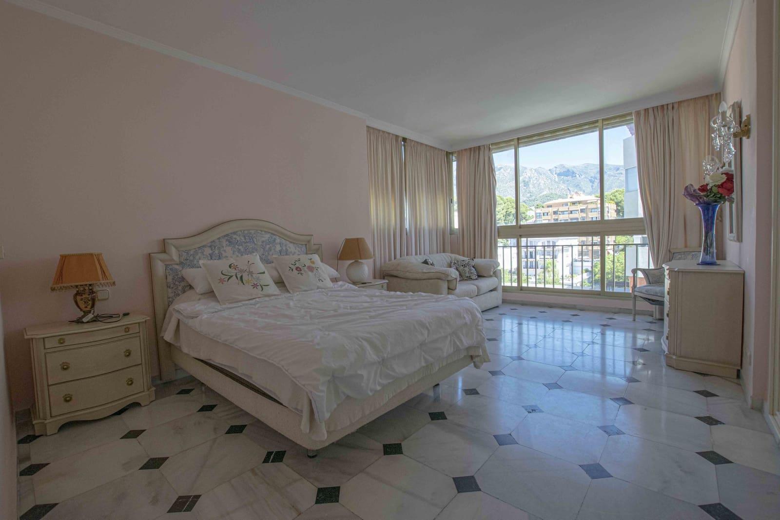 1 sovrum Lägenhet att hyra i Marbella med garage - 850 € (Ref: 5354606)