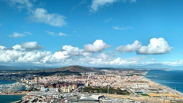 Ubebygd land til salgs i La Linea de la Concepcion - € 9 450 000 (Ref: 5609007)