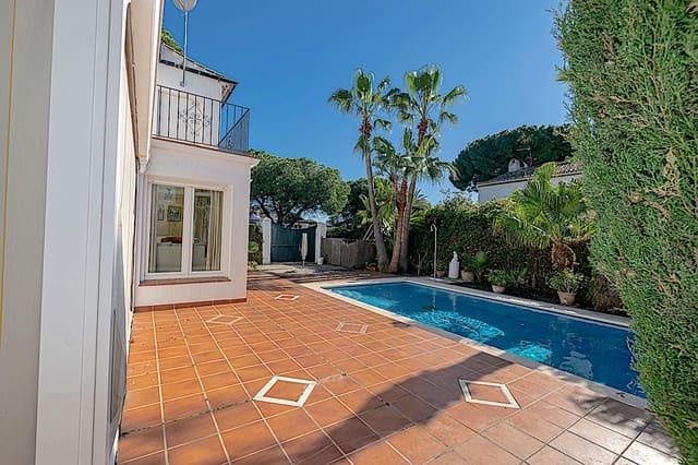 4 sovrum Radhus till salu i Estepona med pool garage - 550 000 € (Ref: 5940255)