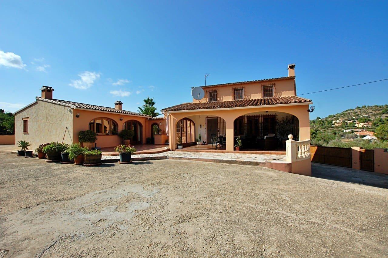 4 bedroom Villa for sale in Benissa with garage - € 449,000 (Ref: 4799064)