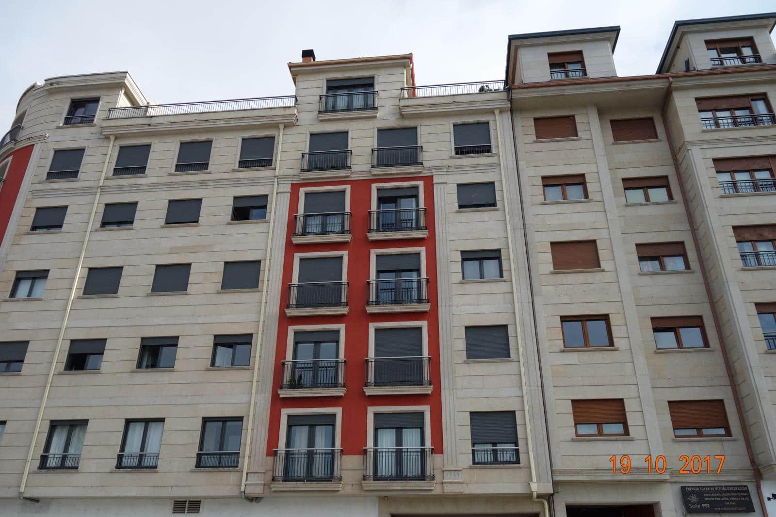 Apartamento de 3 habitaciones en Vilagarcía de Arousa en venta - 335.000 € (Ref: 4924859)