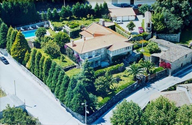 11 sovrum Villa till salu i O Grove med pool garage - 7 800 000 € (Ref: 4924866)