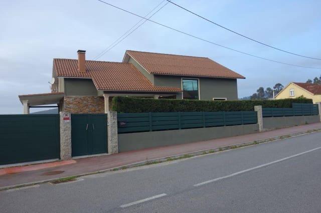Chalet de 5 habitaciones en Catoira en venta con piscina garaje - 380.000 € (Ref: 5853393)