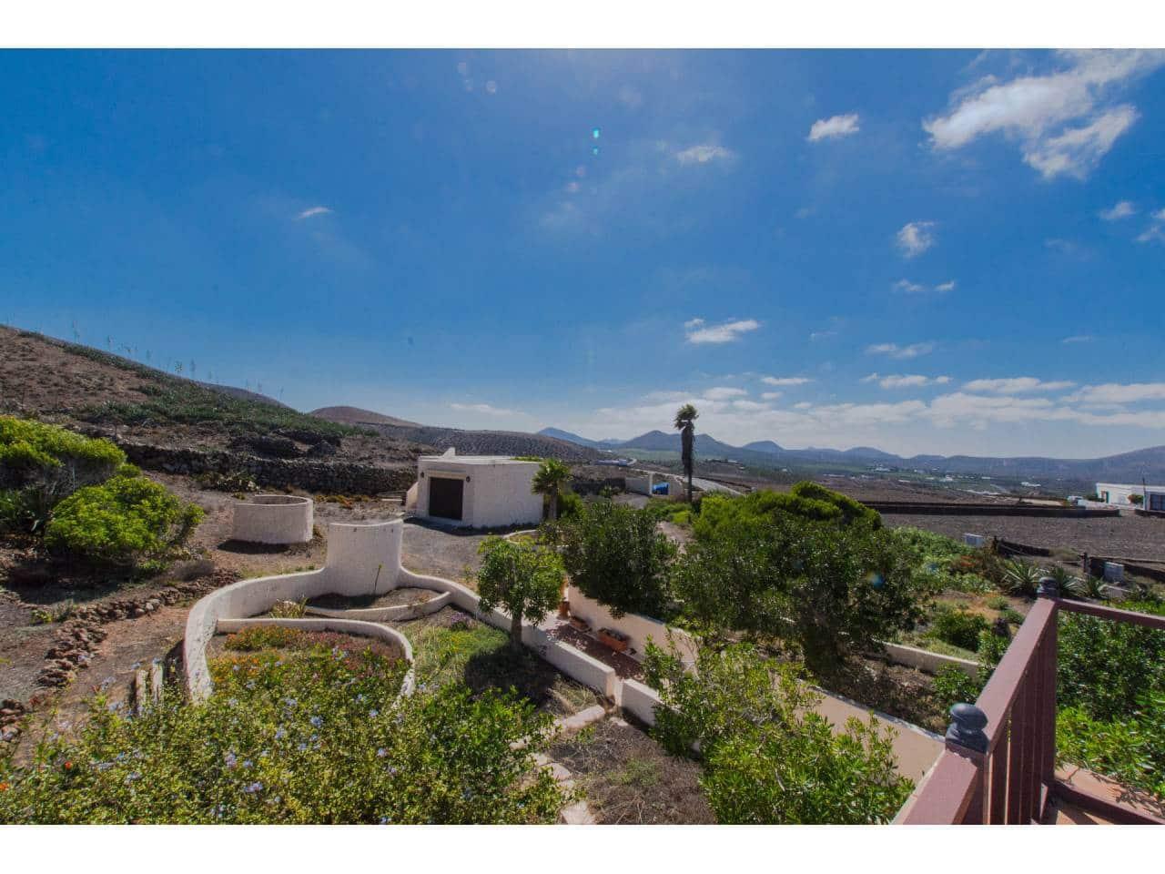 Grunde uden byggetilladelser til salg i San Bartolome - € 550.000 (Ref: 4881870)