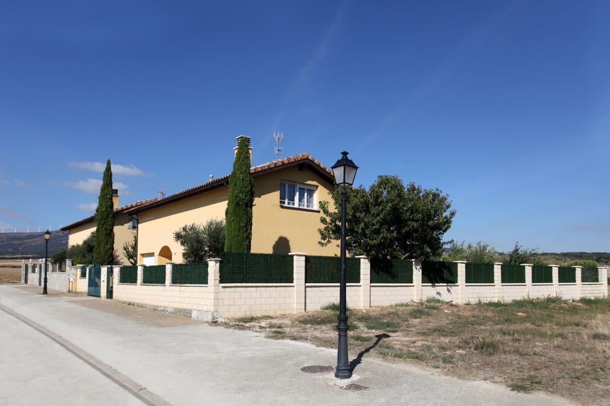 4 camera da letto Villetta a Schiera in vendita in Noain con garage - 275.000 € (Rif: 4845091)
