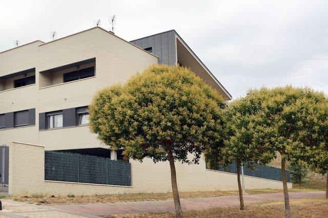 3 soverom Rekkehus til salgs i Olloki med garasje - € 359 000 (Ref: 4874629)