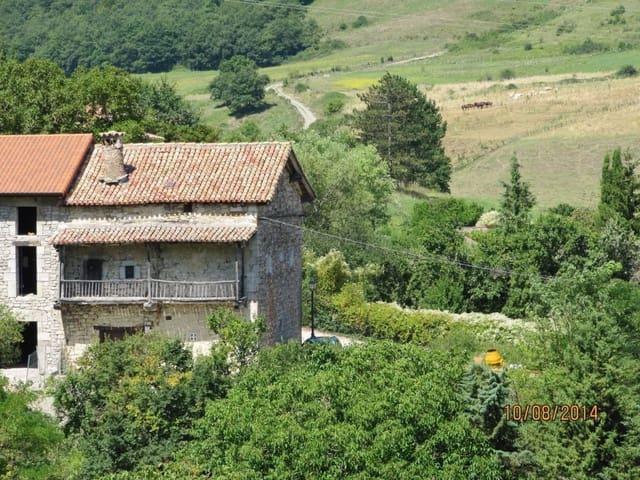 4 soverom Rekkehus til salgs i Atez - € 120 000 (Ref: 4877653)
