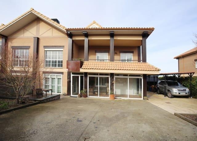 5 Zimmer Reihenhaus zu verkaufen in Cizur mit Garage - 390.000 € (Ref: 4893120)