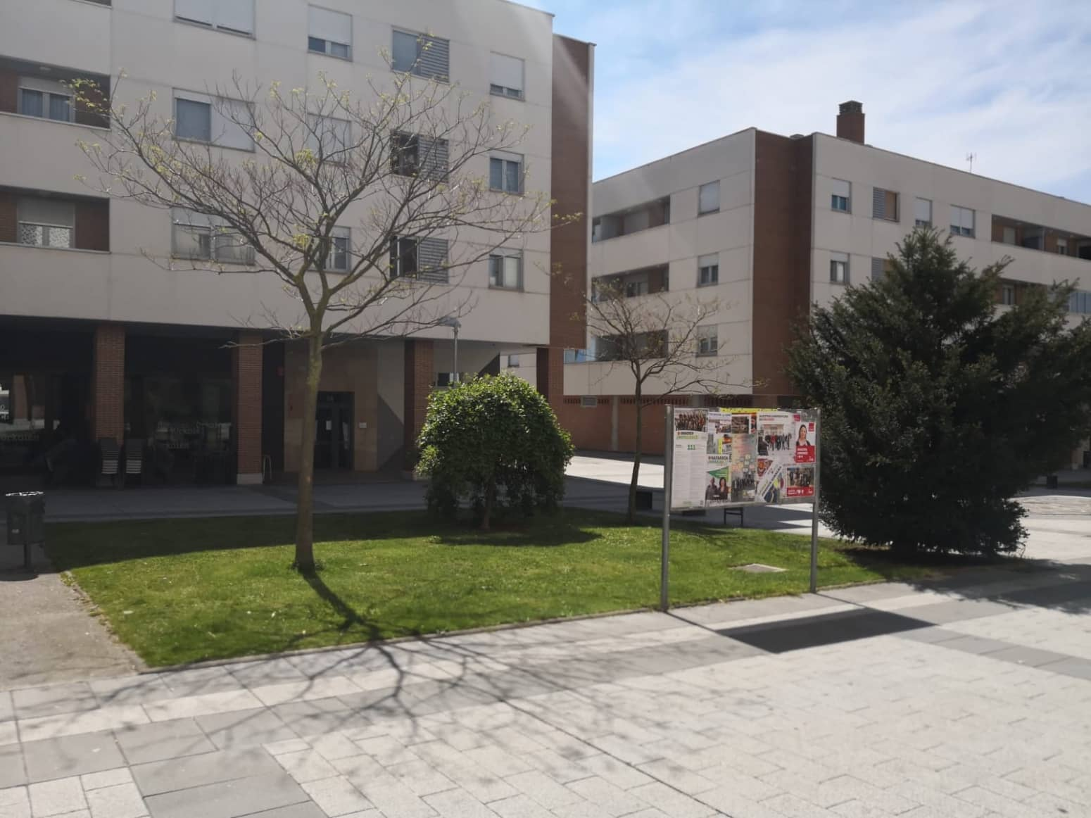 Commercial for rent in Orcoyen - € 350 (Ref: 4893124)