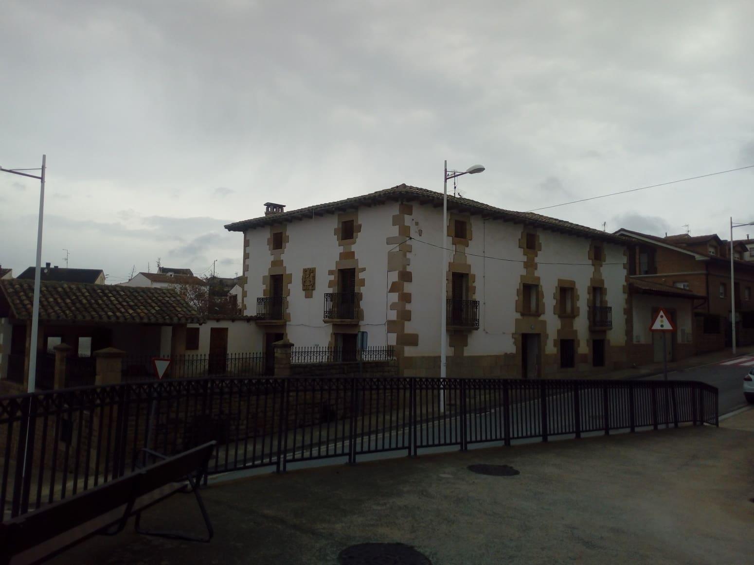 Adosado de 15 habitaciones en Sesma en venta - 210.000 € (Ref: 5031016)