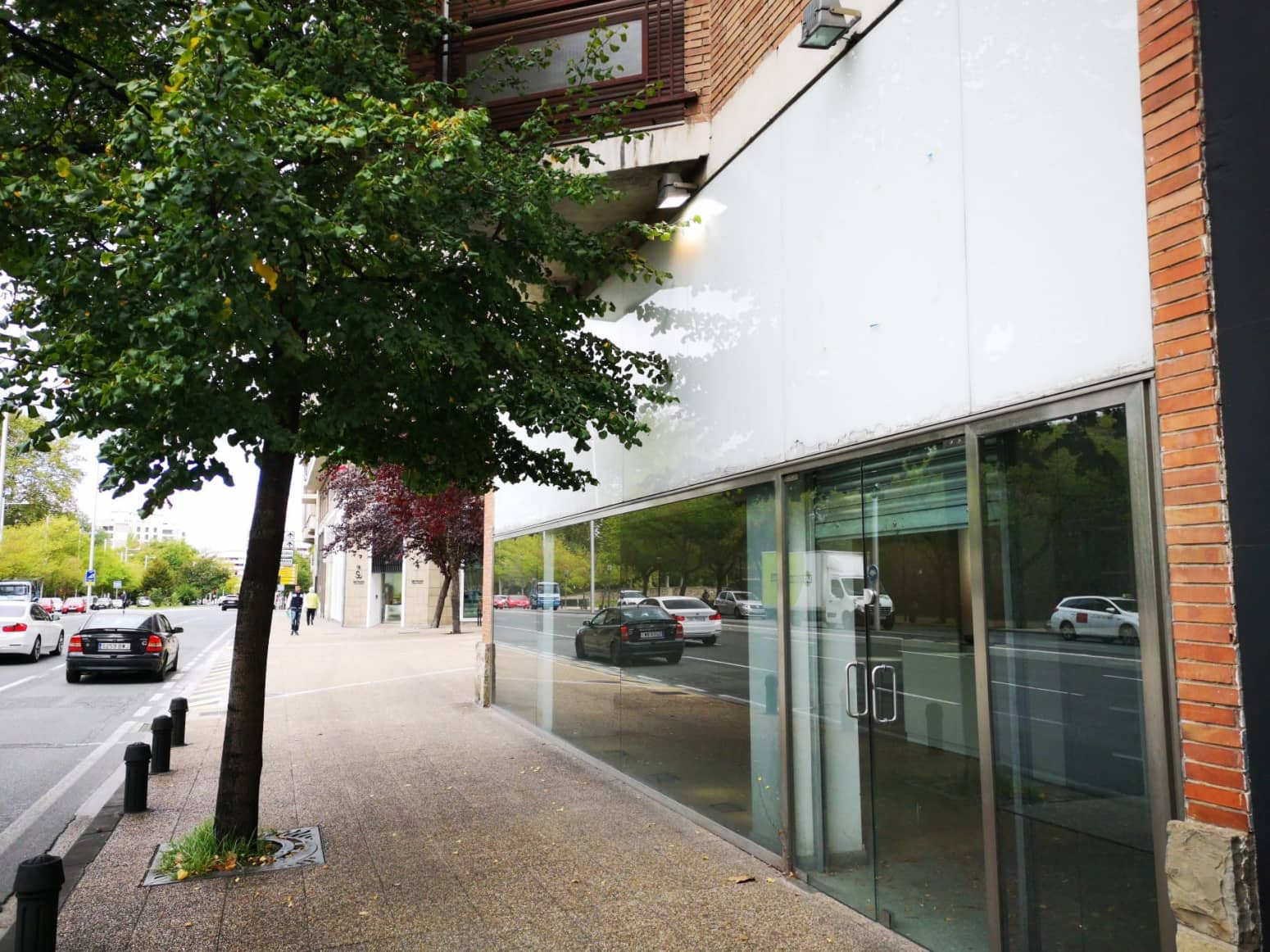 Commercial for sale in Pamplona / Iruna - € 329,000 (Ref: 5031018)
